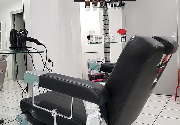 Rochechouart : Un drive au Salon de coiffure pour conserver de l'activité.