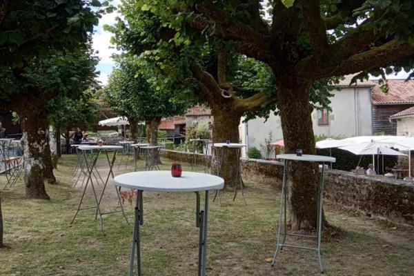 Un dernier marché festif pour marquer la fin de l'été,  à Montrol-Sénard.
