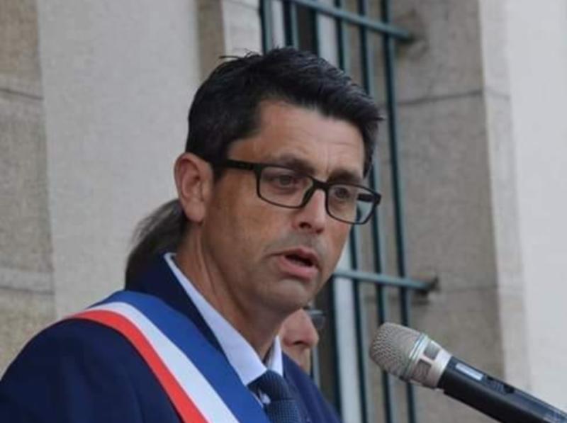 Allo! Monsieur le Maire! Philippe Lacroix répond à nos questions