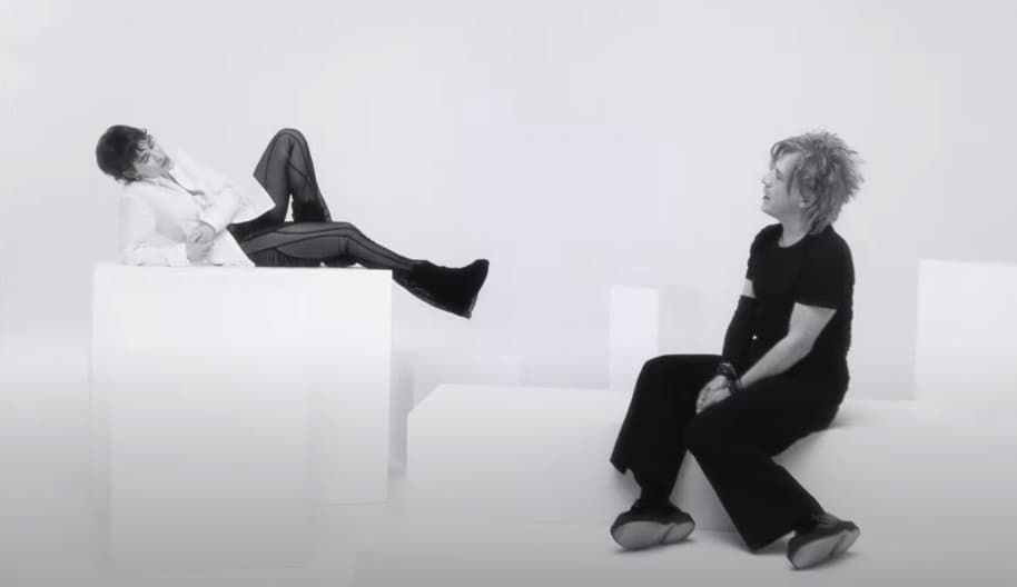 INDOCHINE/CHRISTINE AND THE QUEENS – 3SEX