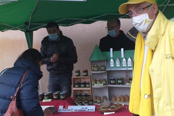 Téléthon 2020 : Les bénévoles étaient sur le terrain, à Rochechouart, pour récolter des dons.