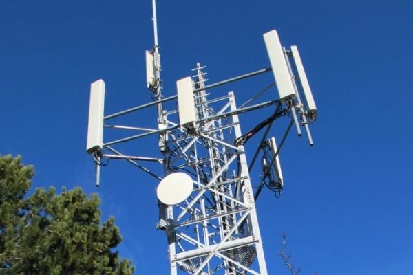 Téléphonie mobile : le retour du réseau Bouygues, puis celui de SFR dans quelques jours