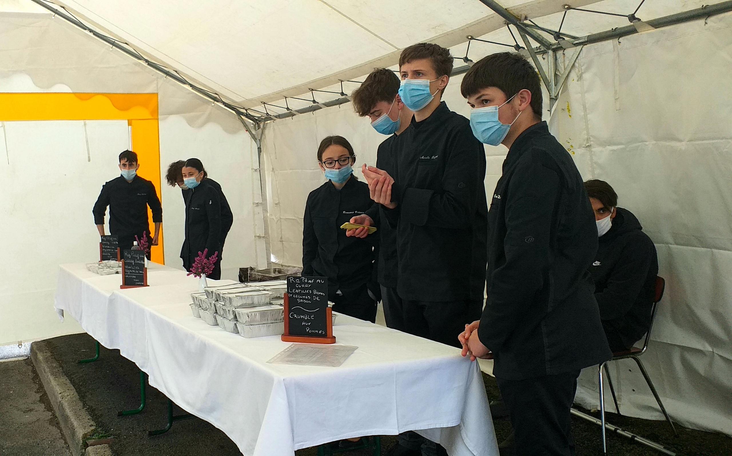 Les élèves hôteliers du Lycée Darnet engagés contre la faim à Saint-Yrieix