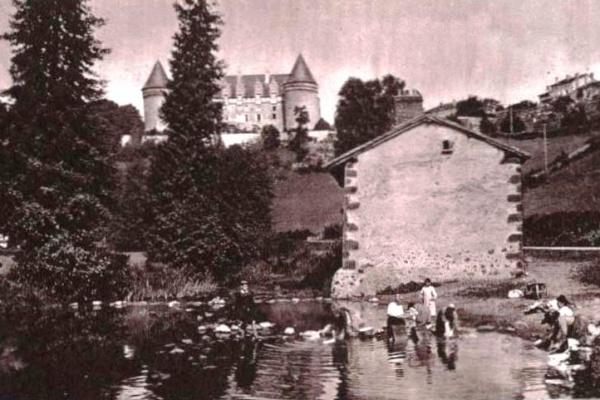 Un inventaire participatif du patrimoine local à Rochechouart.