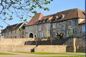Le Musée Céramique de St Yrieix La Perche est un espace culturel qui s'adresse à tous les publics.