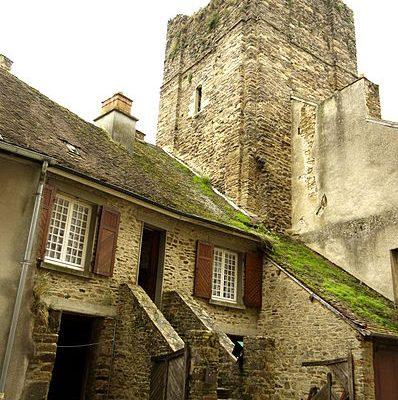 Saint-Yrieix la Perche (87): La Tour du Plô désormais accessible au public